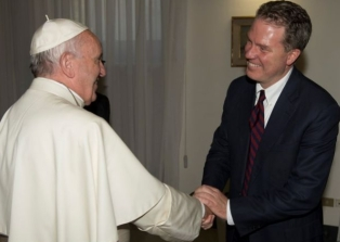 greg-burke-and-pope-francis.jpg