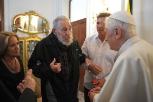 Fidel Castro u Papa Benedittu.jpg